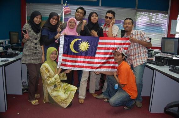Selamat hari merdeka!!! gambar kenangan bersama rakan-rakan reporter Sinar Harian KL dan Selangor