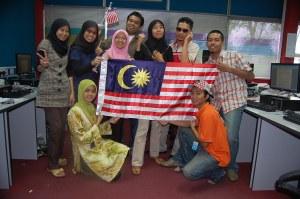 Selamat hari kemerdekaan buat seluruh rakyat Malaysia serta rakan-rakan reporter Sinar Harian KL dan Selangor..Merdeka3x